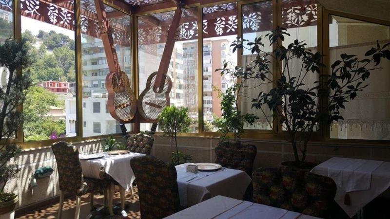 2-kitarrat-hotel-restoran-0010