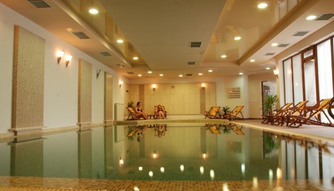 adeona-ski-spa-aparthotel-havuz-006