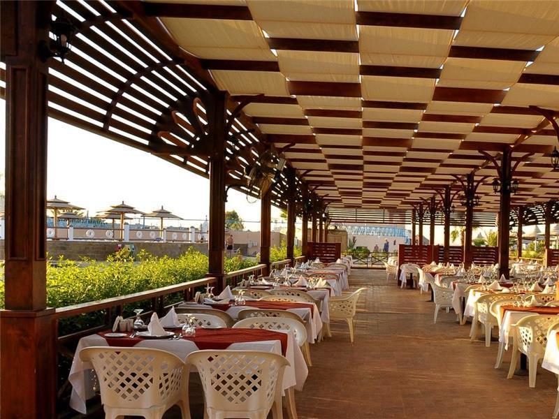 aladdin-beach-resort-restoran-003