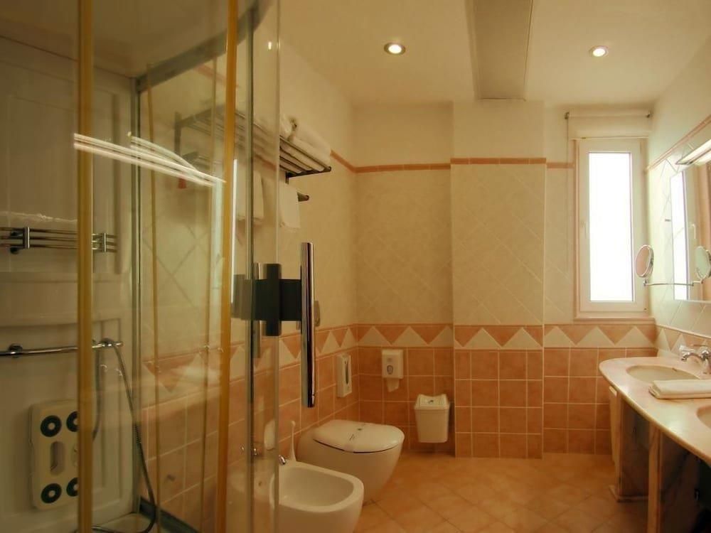 aragosta-hotel-oda-0019