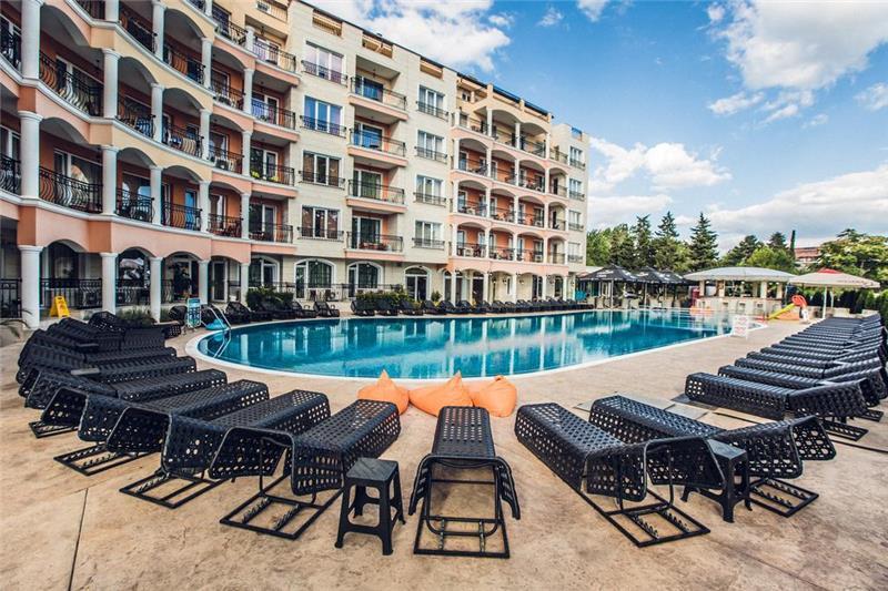 avenue-deluxe-aparthotel-havuz-003