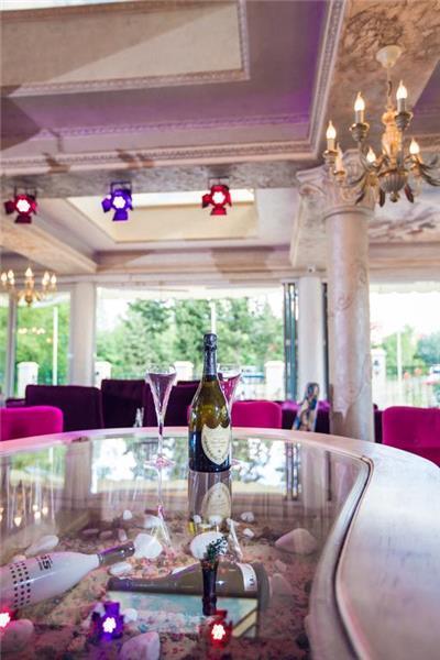 avenue-deluxe-aparthotel-lobi-0011