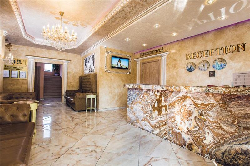 avenue-deluxe-aparthotel-resepsiyon-009