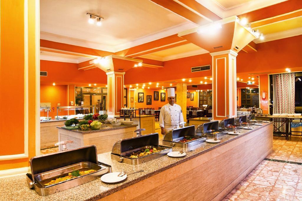 balina-paradise-abu-soma-resort-restoran-003