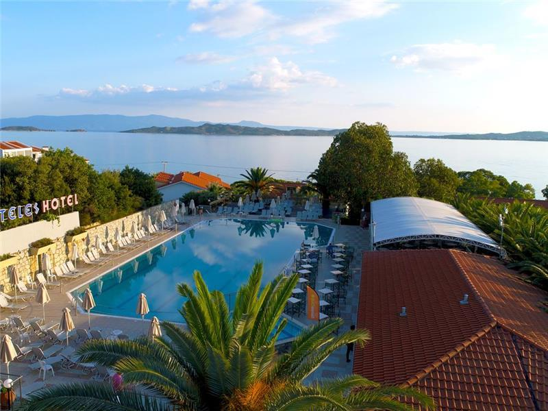 bomo-aristoteles-holiday-resort-spa-havuz-001