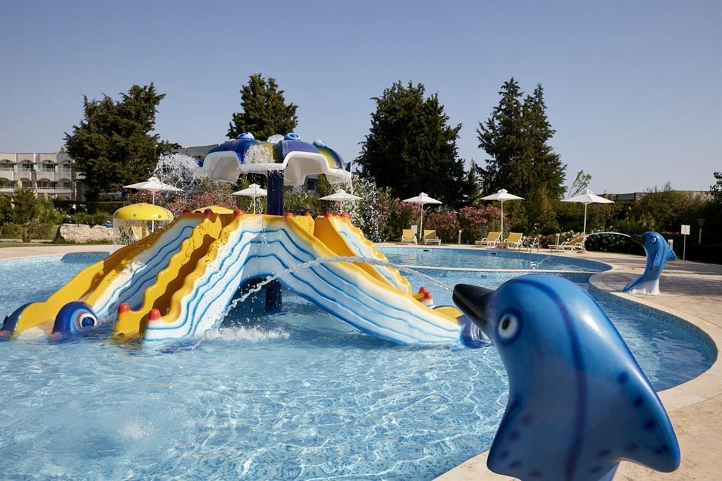 bomo-pallini-beach-hotel-havuz-0020