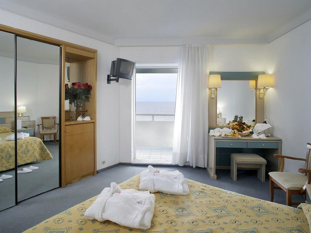 bomo-pallini-beach-hotel-oda-0012