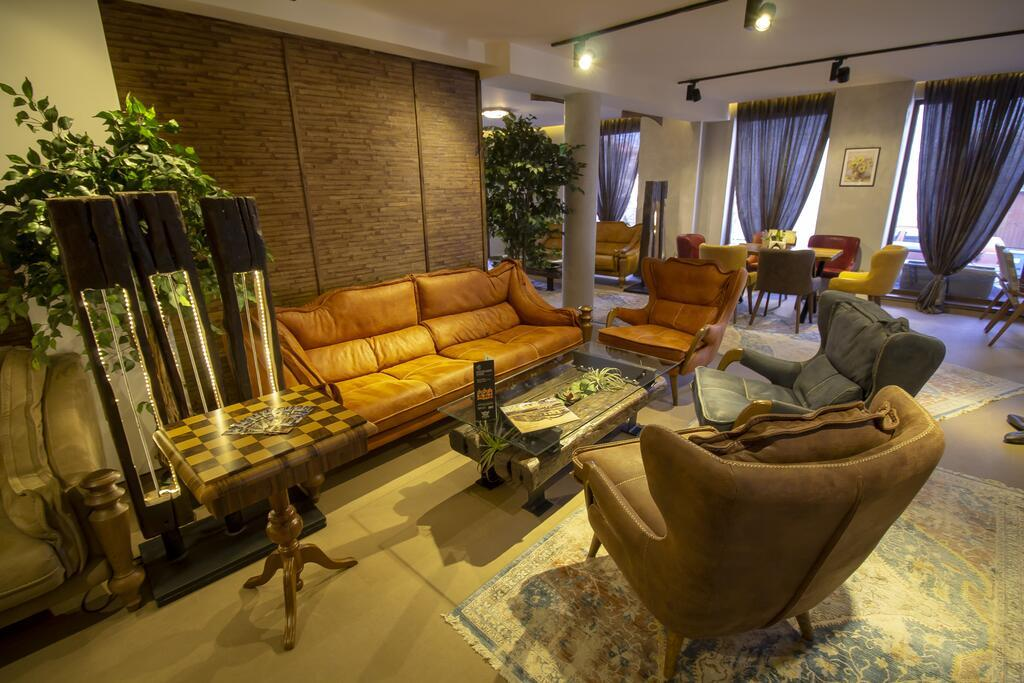 bulgaria-hotel-lobi-006