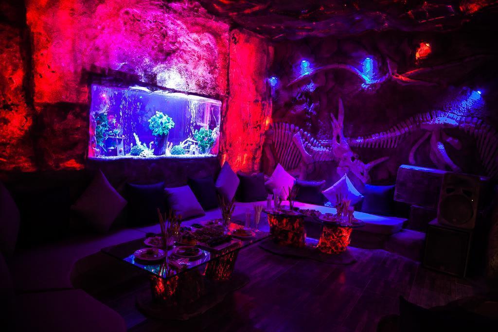 caves-beach-resort-bar-009