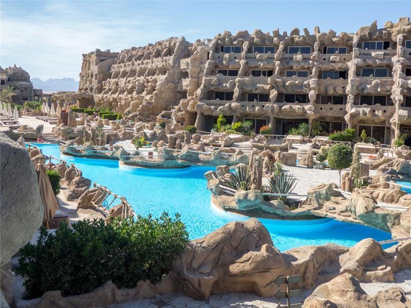 caves-beach-resort-havuz-001