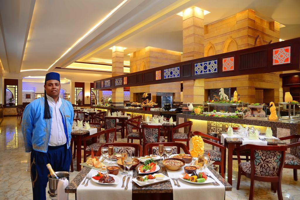 dana-beach-resort-restoran-0012