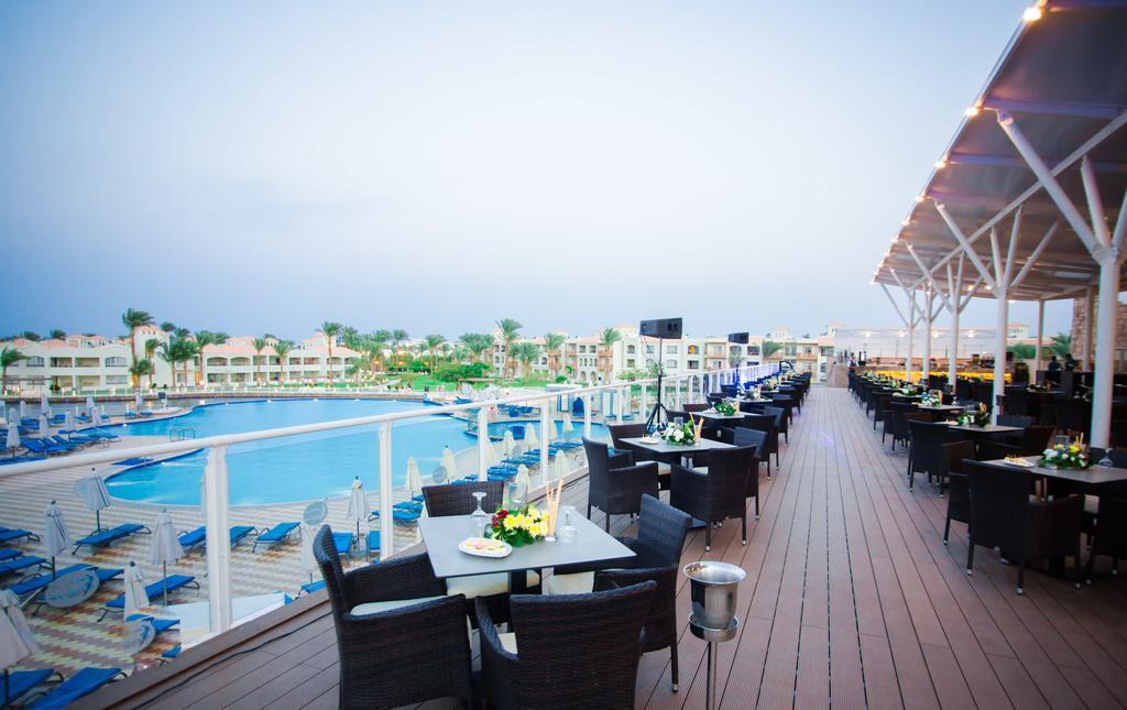 dana-beach-resort-restoran-0015