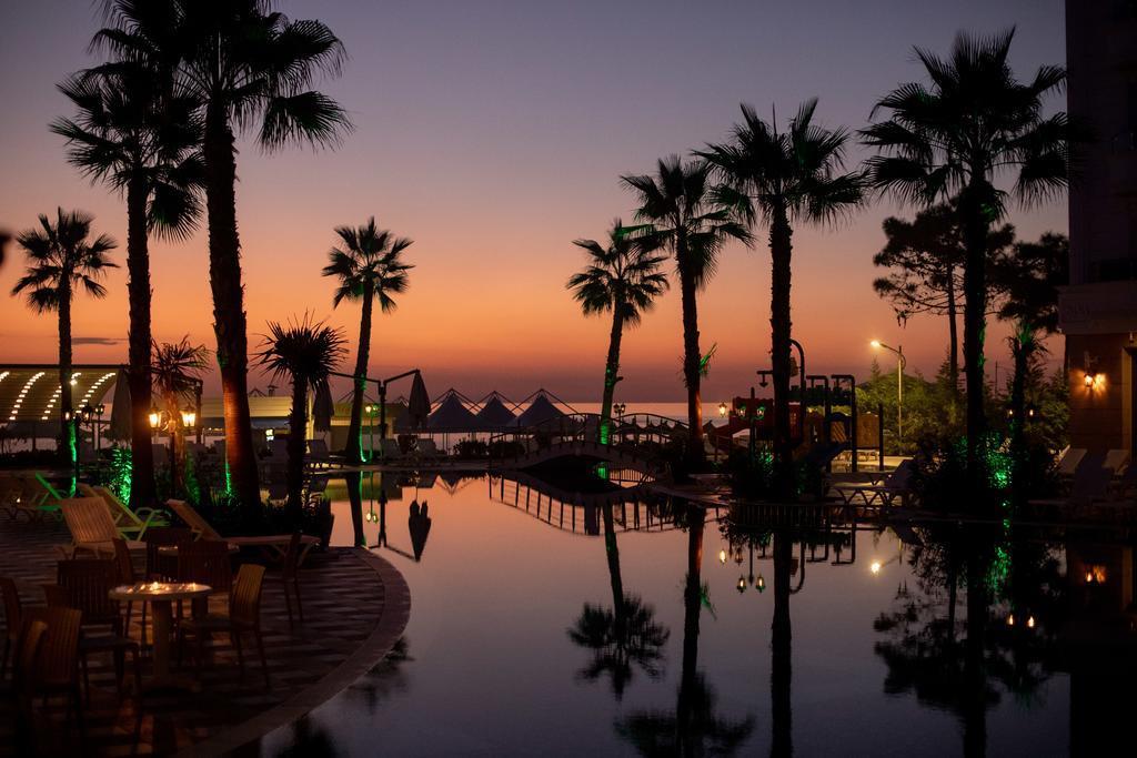 grand-blue-fafa-resort-genel-002
