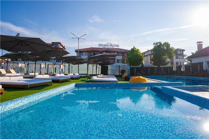grand-hotel-havuz-0045