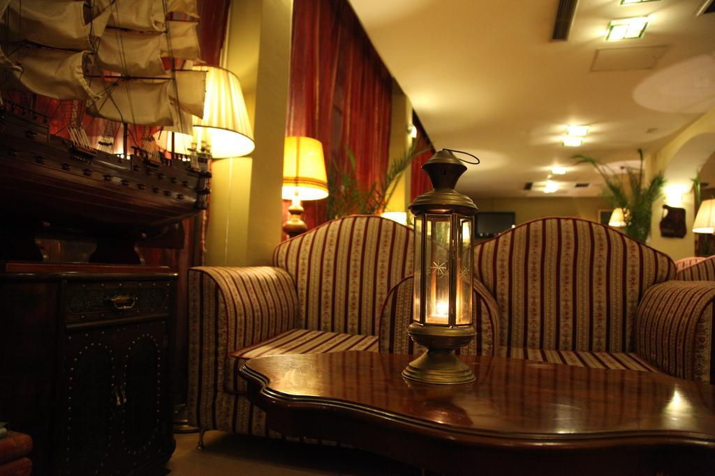 hotel-belvedere-lobi-002