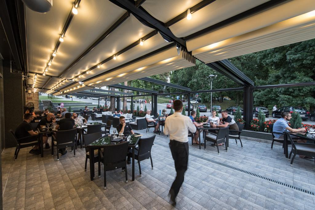 hotel-fontana-restoran-0017