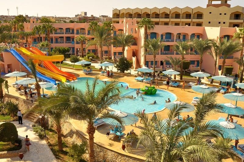 le-pacha-resort-lobi-001