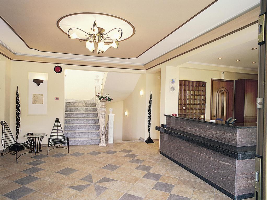 makednos-hotel-resepsiyon-004