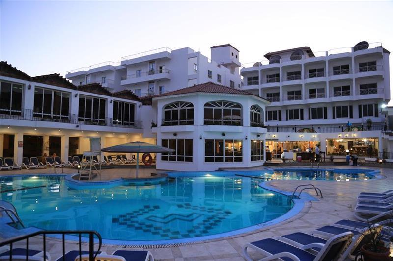 mina-mark-beach-resort-havuz-002