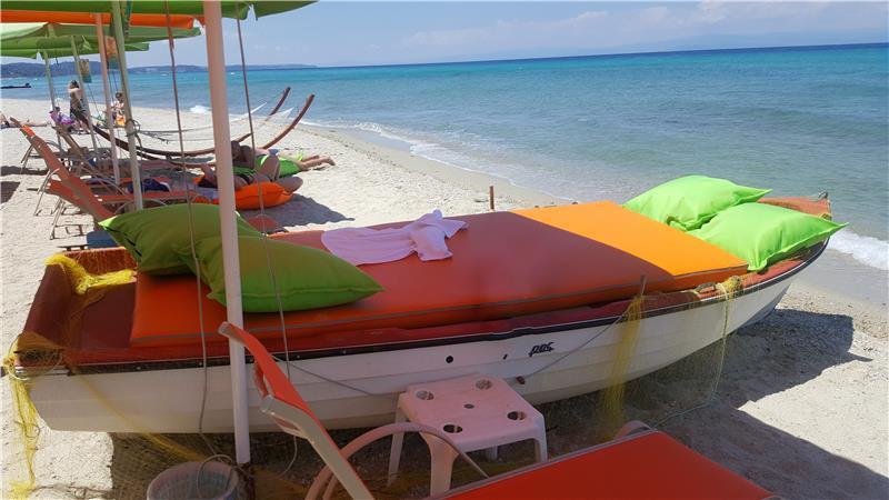 polychrono-beach-hotel-plaj-0020