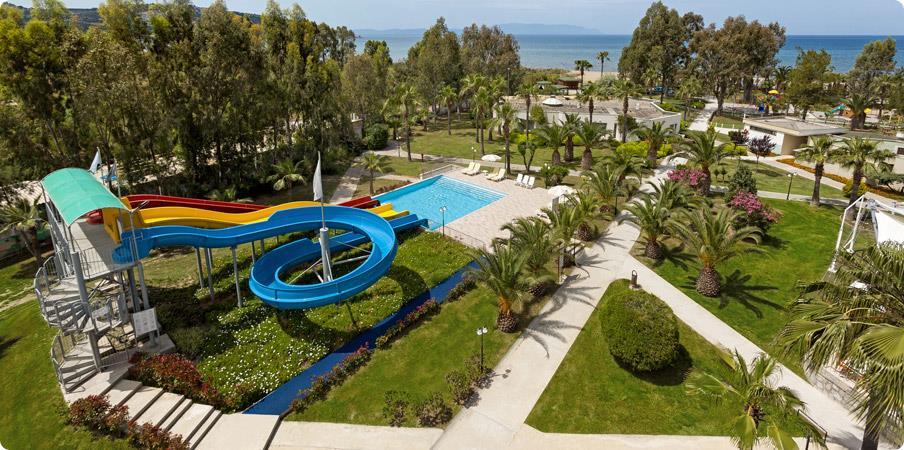 richmond-ephesus-resort-havuz-0010