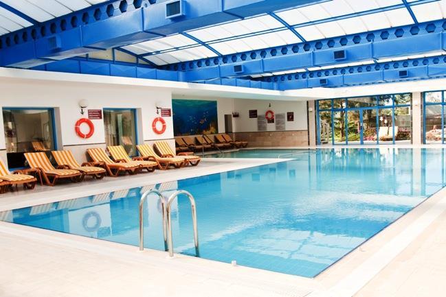 richmond-ephesus-resort-havuz-0011