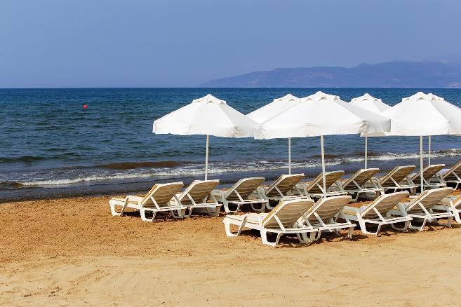 richmond-ephesus-resort-havuz-0012