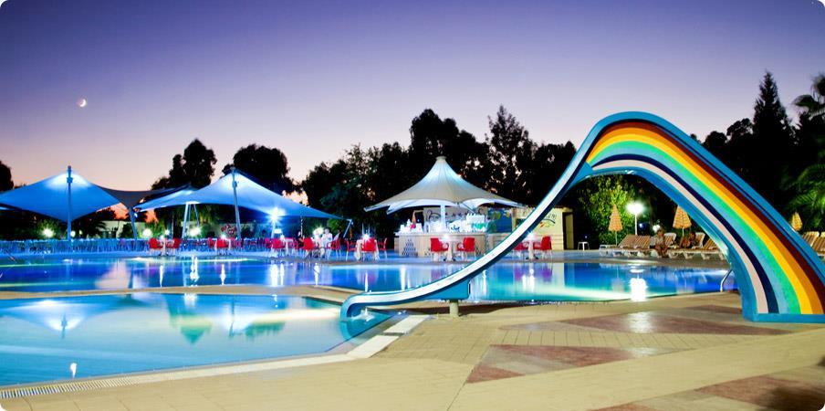 richmond-ephesus-resort-havuz-009