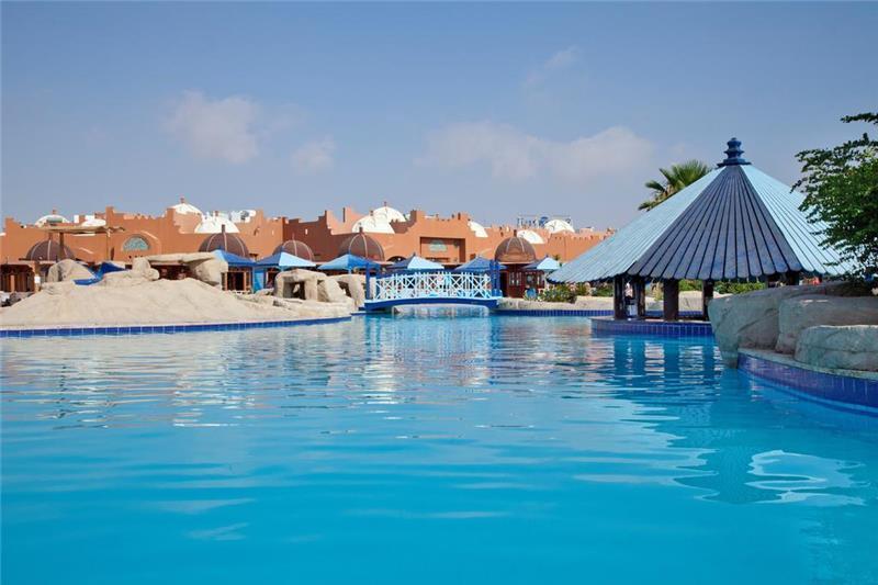 sunrise-royal-makadi-resort-havuz-006