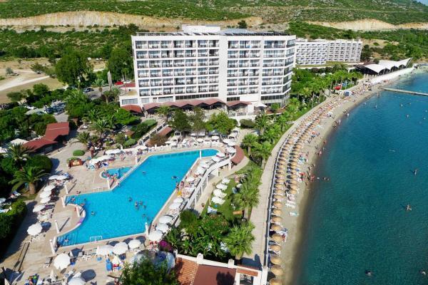 tusan-beach-resort-havuz-0023